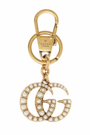 Pearl-encrusted key ring od Gucci