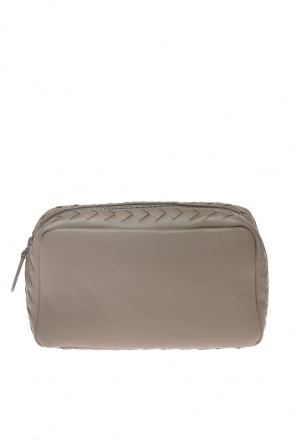 Make-up bag with an 'intercciato' braid od Bottega Veneta