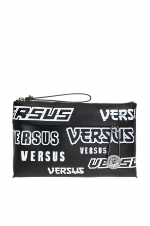 Safety-pin wash bag od Versace Versus
