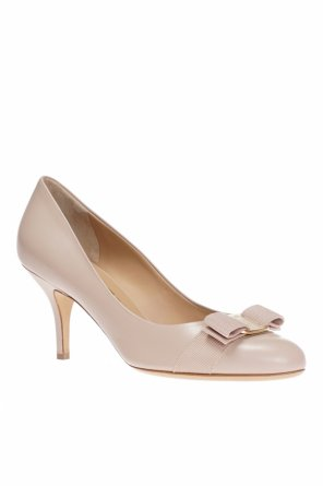 Bow pumps od Salvatore Ferragamo