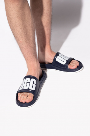 Slides with logo od UGG