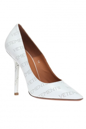 Logo pumps od Vetements