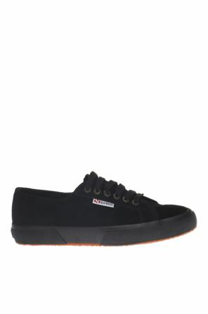 Branded sneakers od Superga