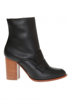 Heeled leather ankle boots od Loewe