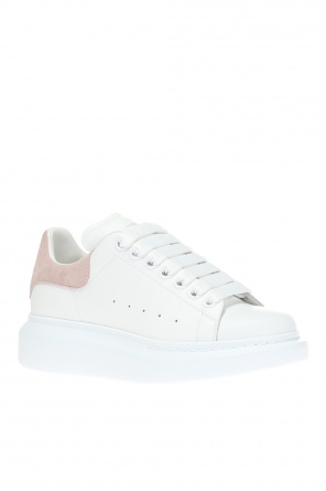 Sport shoes with a printed logo od Alexander McQueen