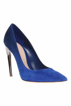 Pointed toe pumps od Alexander McQueen