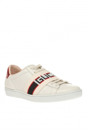 Ace' sports shoes with a logo od Gucci