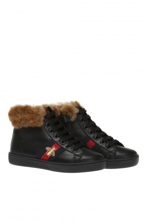 Fur-trimmed high-top sneakers od Gucci Kids