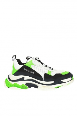 'triple s'  branded sneakers od Balenciaga