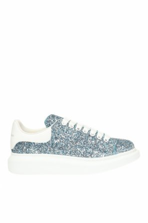 Sneakers with a glitter finish od Alexander McQueen
