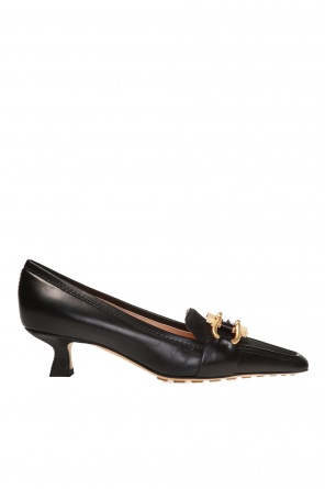 Pumps with metal applique od Bottega Veneta