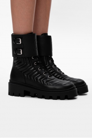 Branded leather ankle boots od Gucci