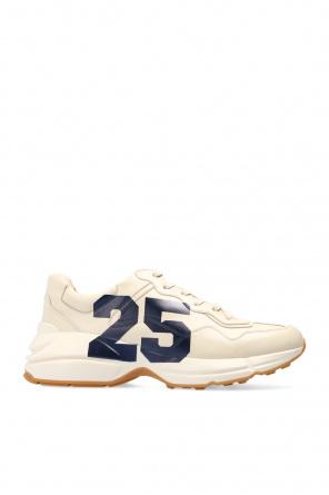 'evolution' sneakers od Gucci