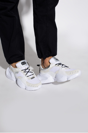 'gravity' sneakers od Versace Jeans Couture