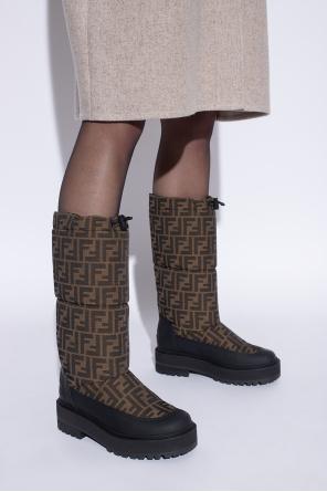 Snow boots with logo od Fendi