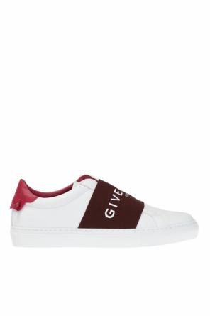 Sports shoes with a logo od Givenchy