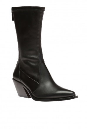 Pointed toe combat boots od Givenchy