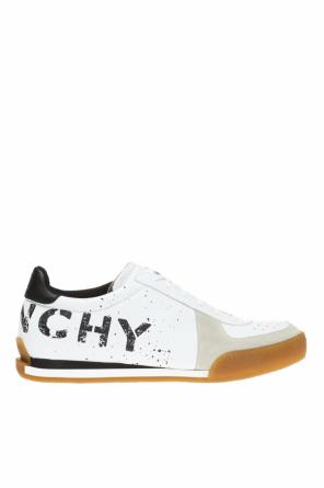 Sport shoes with a printed pattern od Givenchy