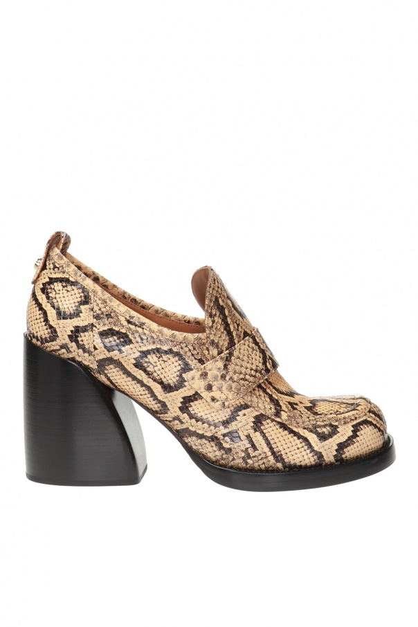 Logo-embossed pumps od Chloe