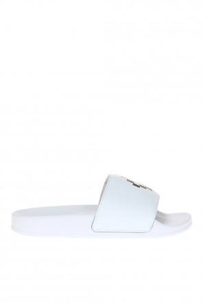 Logo-printed sliders od Marcelo Burlon