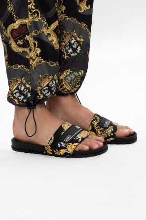 Logo slides od Versace Jeans Couture