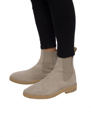 Suede chelsea boots od Yeezy
