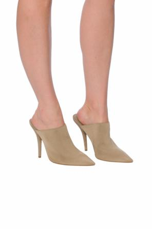 Pointed toe mules od Yeezy