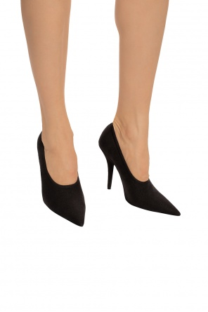 Pointed toe pumps od Yeezy