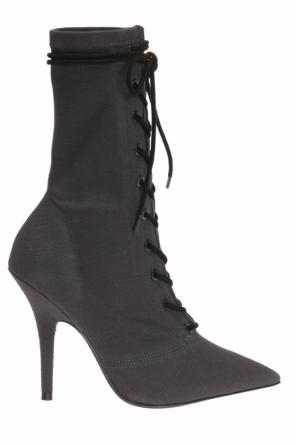 Lace-up heeled boots od Yeezy