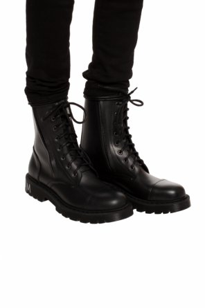 Printed boots od Vetements