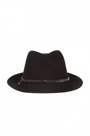Chained hat od Stella McCartney