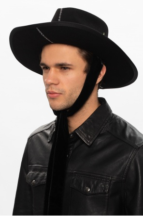 'rive' hat od Nick Fouquet