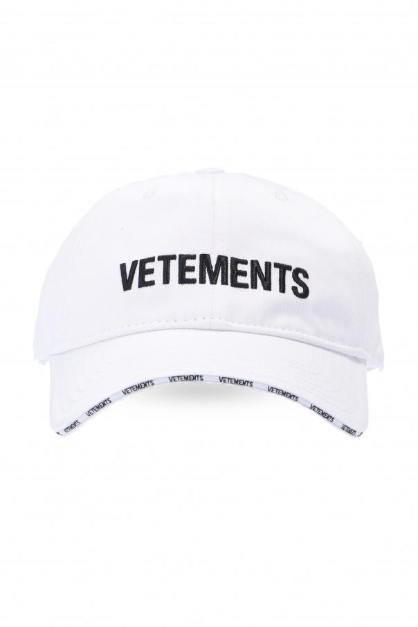 VETEMENTS Baseball cap with logo