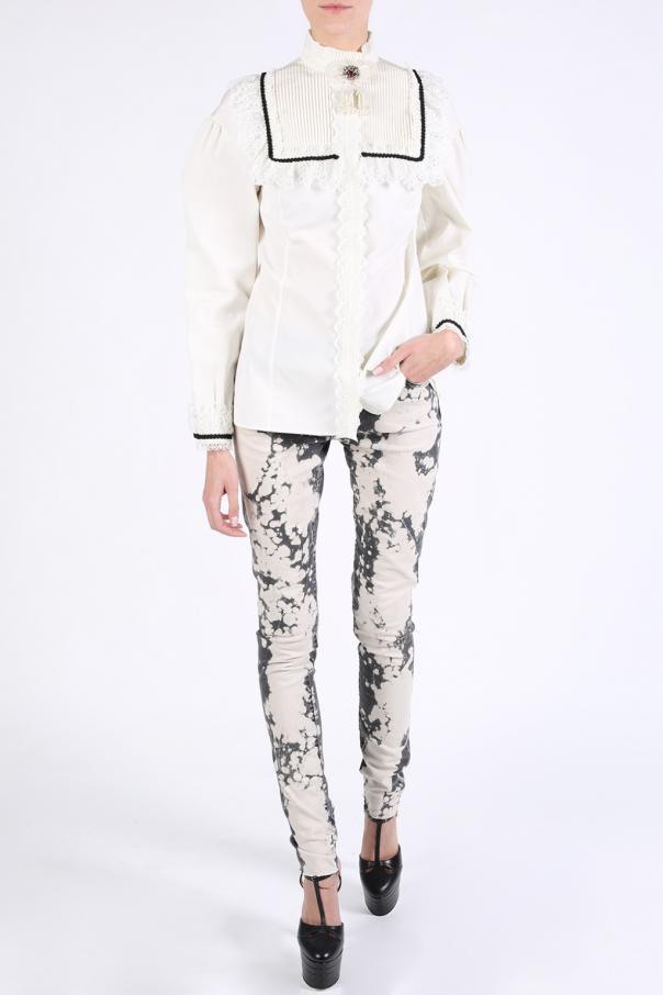 e1edec69e1 Lace-trimmed shirt with brooch Gucci - Vitkac shop online