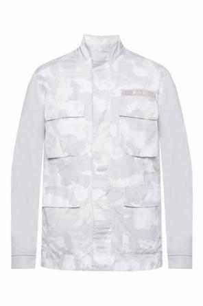 Jacket with a camo motif and a printed logo od Nike