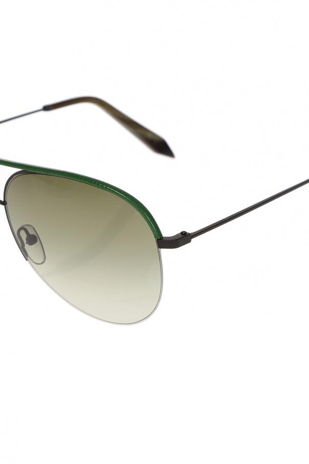 Aviator sunglasses od Victoria Beckham