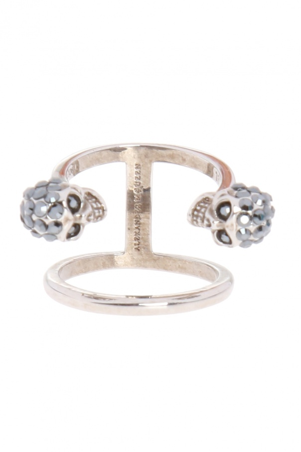 Ring with skulls od Alexander McQueen