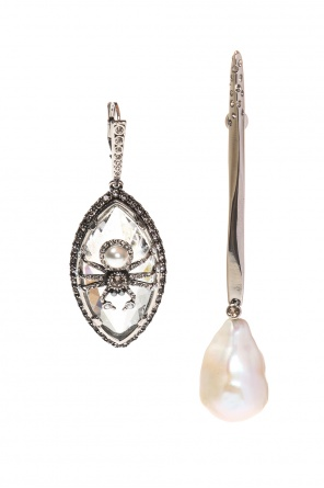 Asymmetrical earrings with swarovski crystals od Alexander McQueen