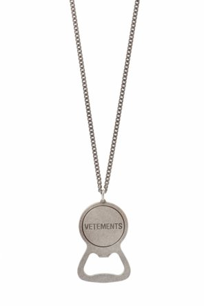 Logo pendant necklace od Vetements