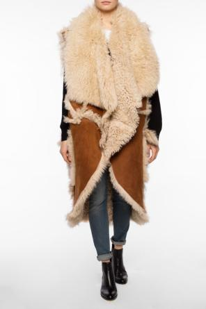 Sleeveless shearling jacket od Balmain