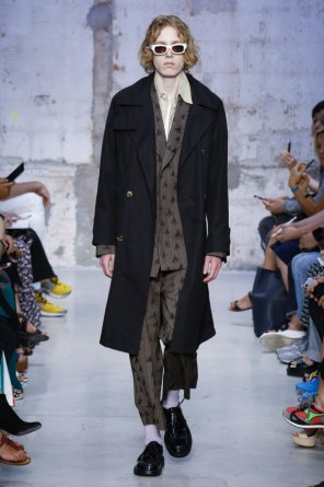 Double-breasted trench coat od Marni