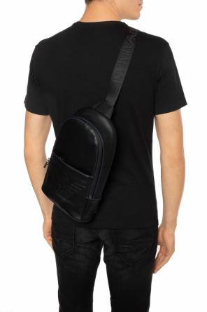 Logo-embossed one-shoulder backpack od Emporio Armani