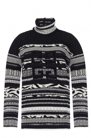Branded turtleneck sweater od Givenchy