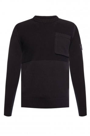 Sweater with removable compass patch od Stone Island