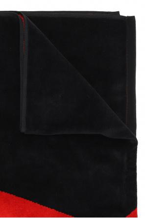 Towel with logo od Ami Alexandre Mattiussi