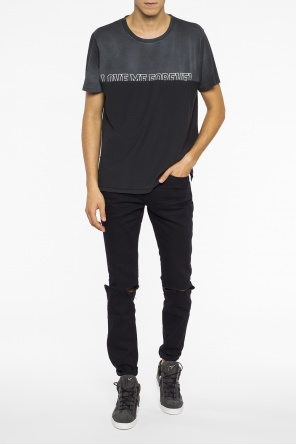 Distressed jeans od Saint Laurent