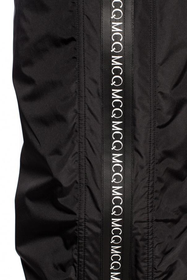 McQ Alexander McQueen Ortalionowe spodnie z logo X84mZquh