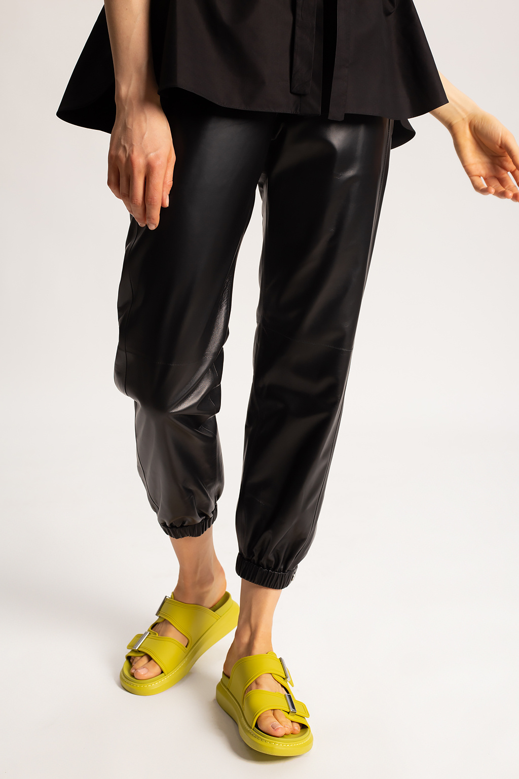 Alexander McQueen Skórzane spodnie