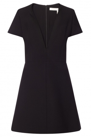 Dress with deep neckline od Chloe