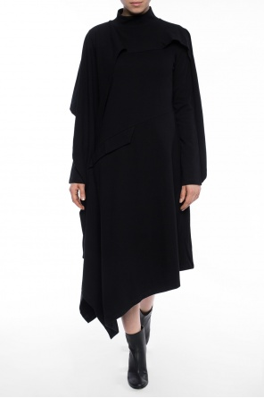 Asymmetrical turtleneck dress od J.W. Anderson
